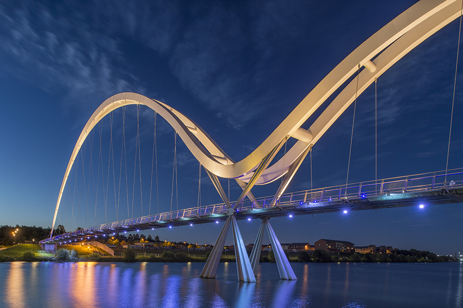 Image of Infinity Bridge by photographer Greig Cranna.